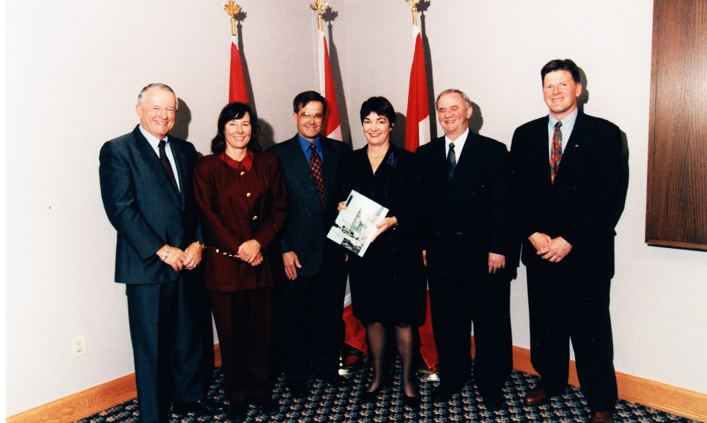 Presenting Final Banff Bow Valley Study Report, 1996